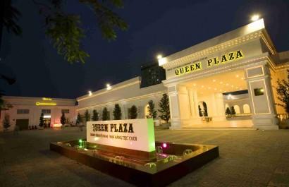 Queen Plaza