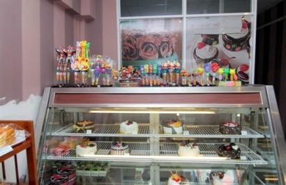 Cửa hàng bánh kem Love Cake