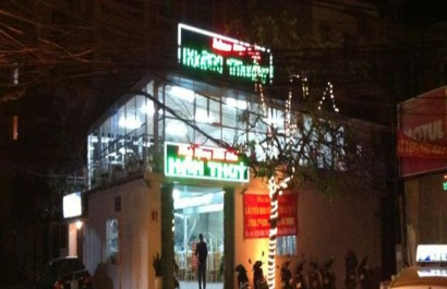 Nhà hàng hải sản Hán Thủy