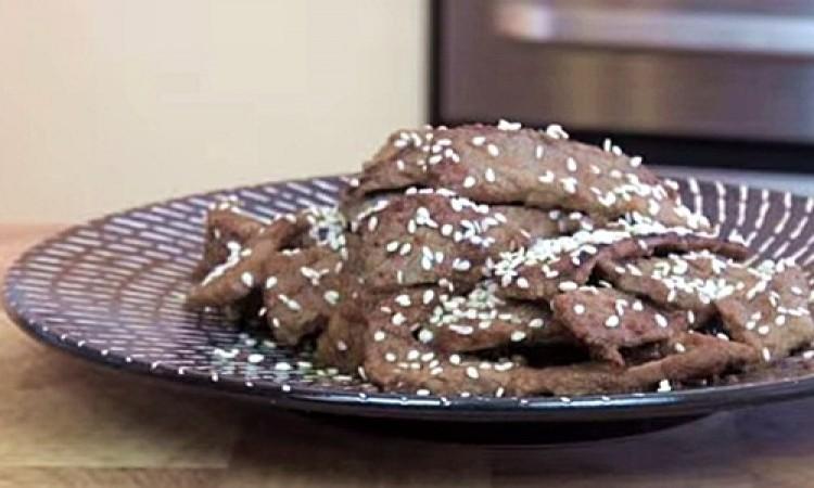Thịt bò ướp xốt lê áp chảo