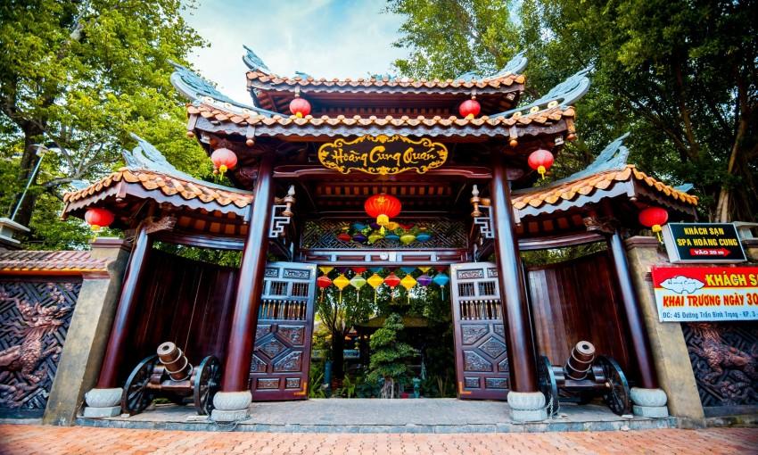 Nhà hàng Hoàng Cung Quán