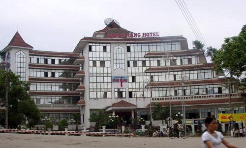 Nhà hàng khách sạn Bằng Giang