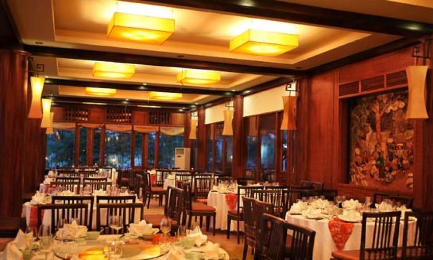 Nhà hàng Pool Side, Hạ Long
