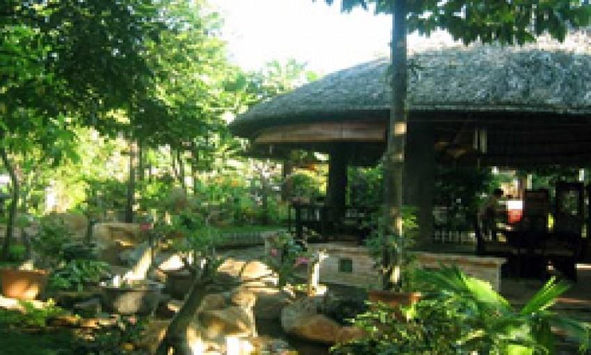 Nhà hàng Sân vườn Hoàng Gia Trang
