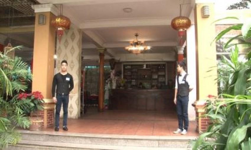 Nhà hàng Dòng Sông Xanh