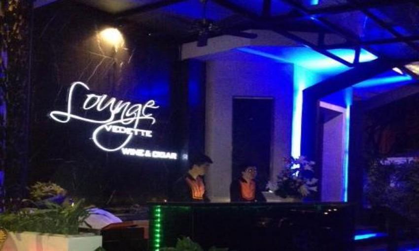 Vedette Cafe & Lounge