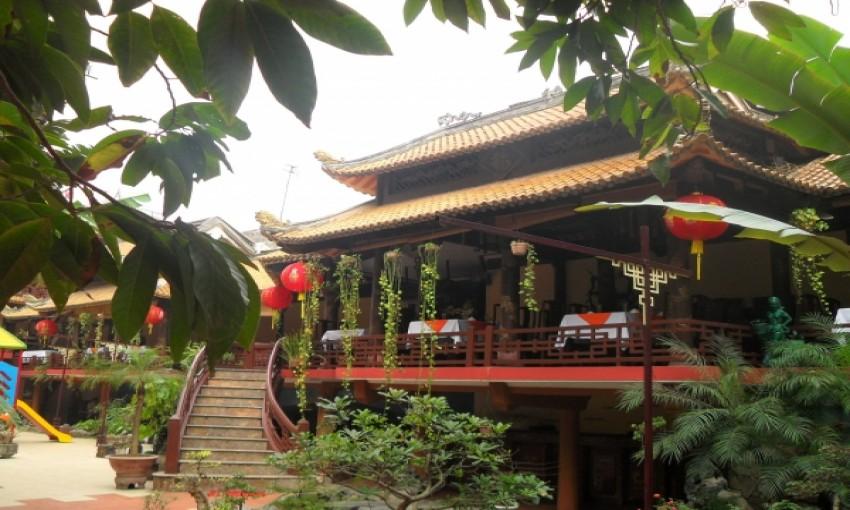 Nhà hàng Mai Vàng