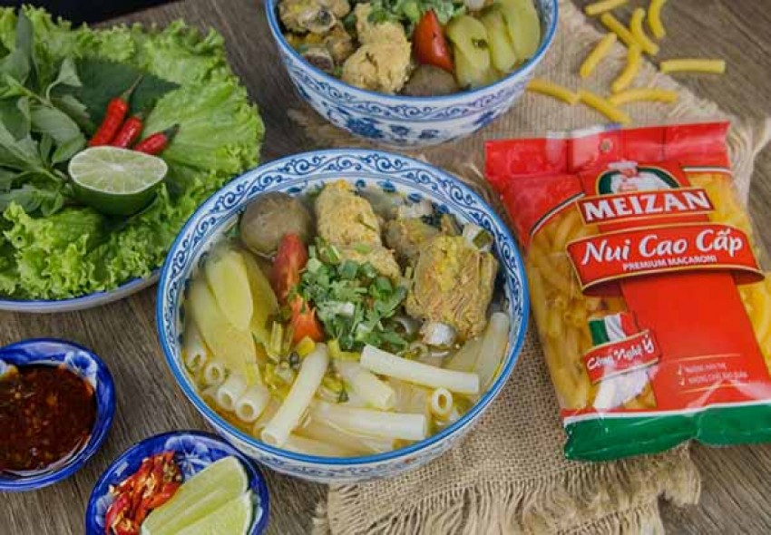 Cực phẩm ẩm thực từ bộ ba chả cua - sườn heo - nui
