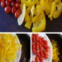 Cà chua bi rửa sạch để nguyên quả. Ớt chuông rửa sạch thái miếng vừa ăn. Đổ ớt chuông và cà chua bi vào nồi thịt bò, đậy kín nắp, các bạn đun tiếp khoảng 10 phút thì tắt bếp.