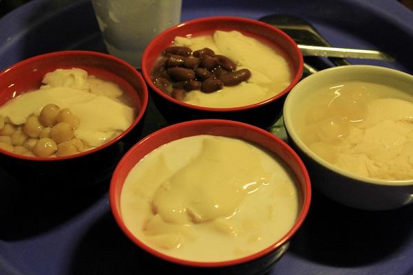 Đi thưởng thức tào phớ và trà sữa Thái phố Hàng Than 5
