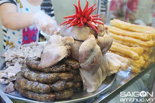 Đi ăn cháo lòng phố Nguyễn Thị Sáu 1