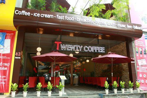 Phong phú thực đơn cơm văn phòng tại Twenty Coffee