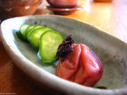 Umeboshi- món dưa mận của người Nhật Bản