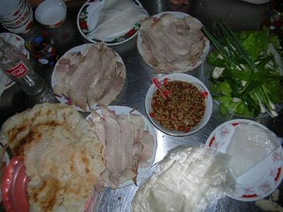 Bánh Tráng Cuộn Thịt Heo