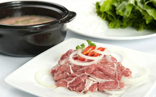Ngon lạ lẩu thịt bò nấu mẻ
