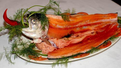 Cá Hồi ba món - Lẩu Hồng Kông