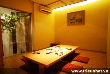 Phòng Tatami tại nhà hàng Asahisushi - 288 Bà Triệu.