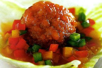 Tôm viên xốt chua cay giúp bữa ăn gia đình thêm ngon