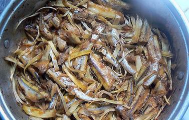cá cơm kho xơ mít