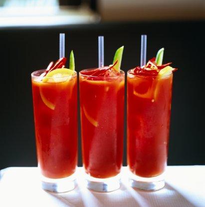 Đồ uống ngày hè: Sinh tố dâu tây cà chua