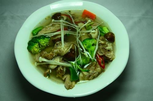 Canh vịt nấu nấm