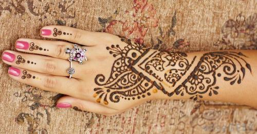 Vẽ henna