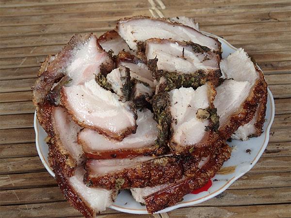 Thịt lợn quay đòn 3