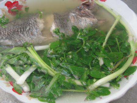Canh cá rô rau đắng