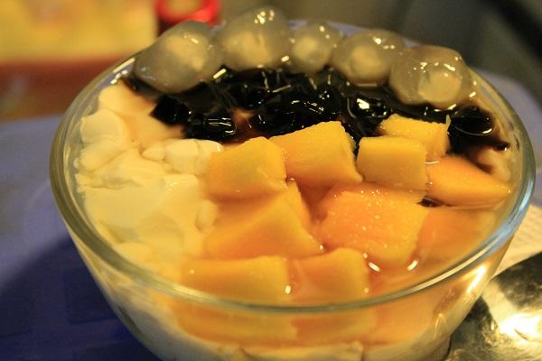 Đi thưởng thức tào phớ và trà sữa Thái phố Hàng Than 9