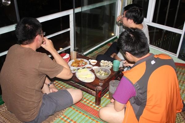 Xuýt xoa mãi không thôi món ốc ngon Hồ Tây tại Tửu Quán Ốc2