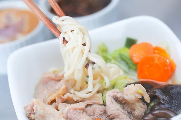 Chuan bi nguyen lieu bi quyet lam lau bo shabu-shabu Nhat Ban cuc chuan ai cung phai khen ngon