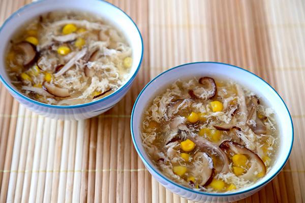 Sup ga nam huong cong thuc 5 mon sup don gian ma am het ca nguoi cho mua dong