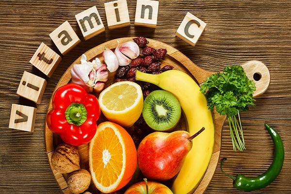 An thuc pham giau vitamin C tot cho nguoi hay bi hoa mat chong mat