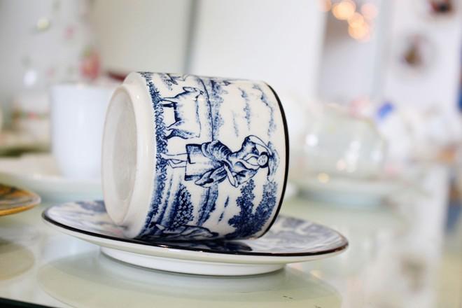 Tách trà được trang trí nhiều họa tiết khác nhau