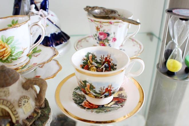 Tách trà mang họa tiết đậm nét châu Âu