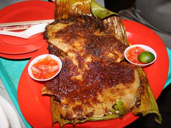 cá đuối nướng sốt ớt sambal - amthuc365