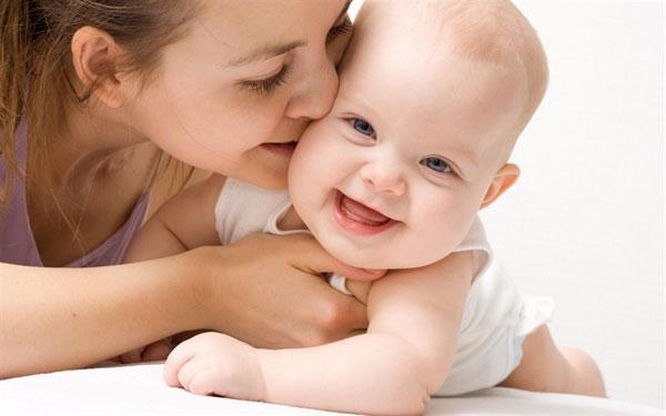 Bí quyết làm đẹp da mặt cho mẹ sau sinh