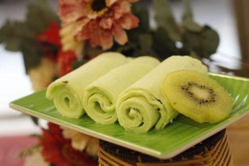 Kem cuộn Thái Lan