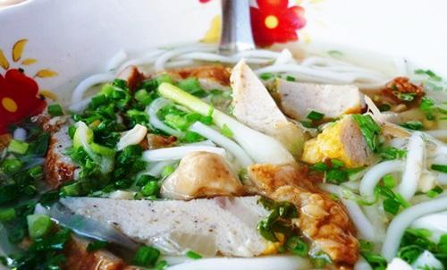 Dạo biển Phan Thiết, thưởng thức ẩm thực khuya 7