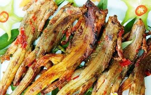Dạo biển Phan Thiết, thưởng thức ẩm thực khuya 9