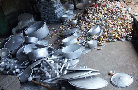 nguy hiem tu viec dung noi nhom tai che 2 Những nguy hiểm không ngờ khi sử dụng đồ dùng nấu ăn bằng nhôm tái chế nhahanghanoi.vn