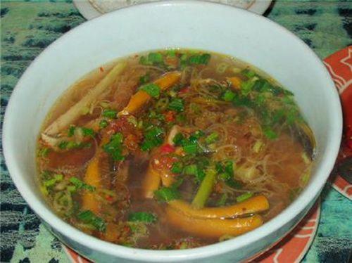 Canh lươn nấu trứng kiến