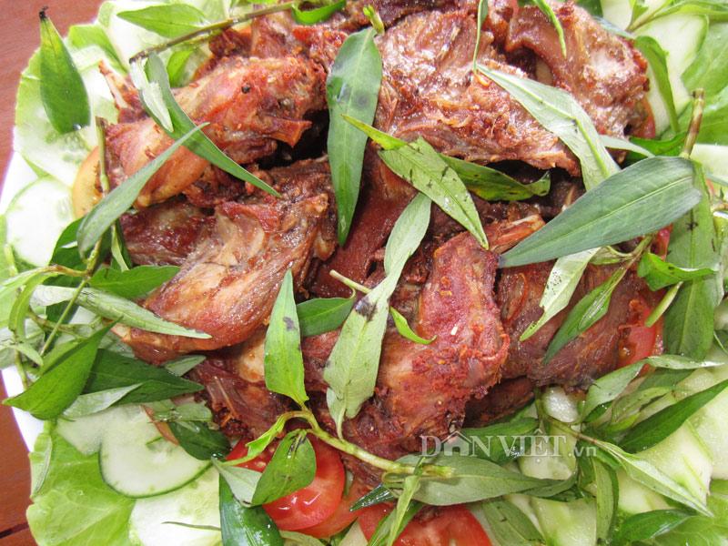 Thịt chuột muối chiên sả ớt