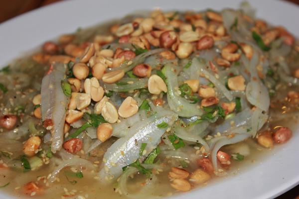 Về Phan Thiết chớ quên ăn gỏi cá mai 1