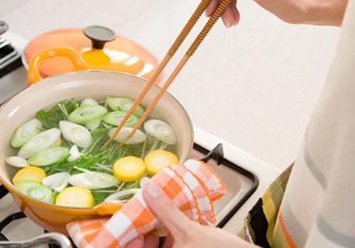 4 quy tắc nấu ăn an toàn mẹ bầu phải biết