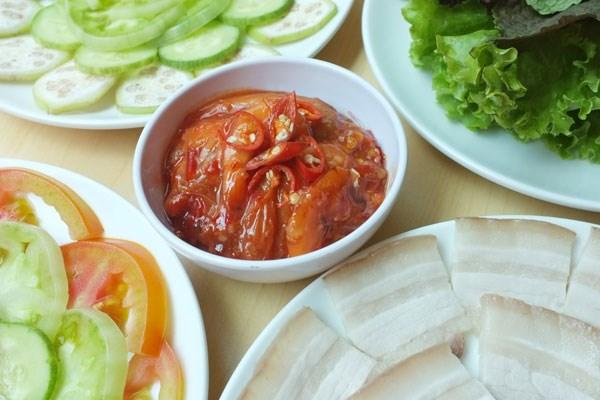 Hương vị thịt luộc tôm chua Quảng Trị