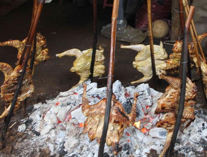 gà sa lửa kèm cơm lam
