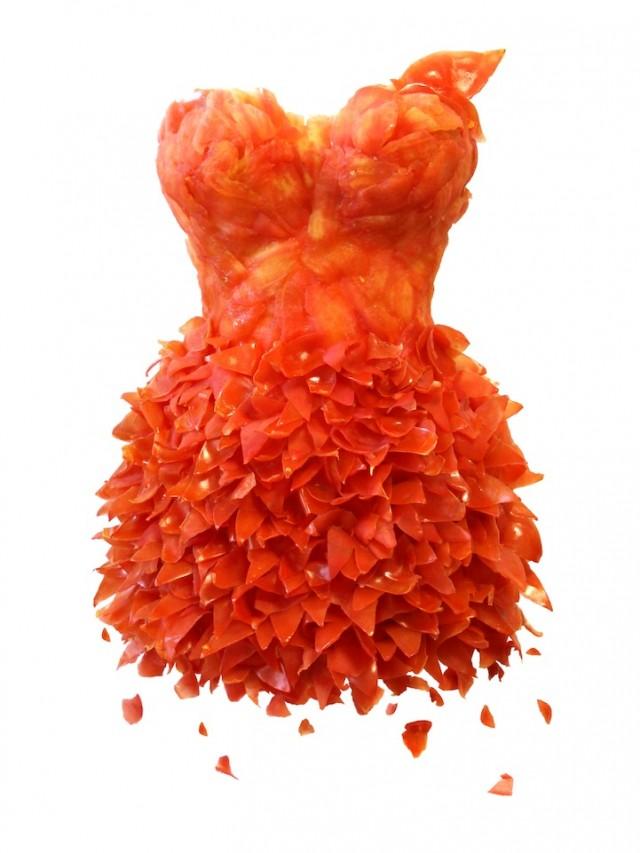 Đầm làm từ cà chua
