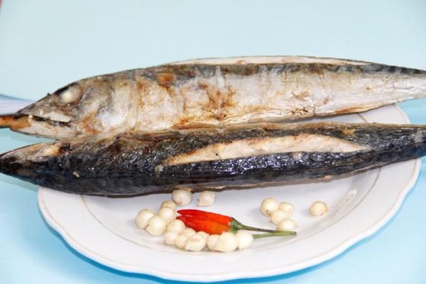 Về Quảng Trị ăn canh cá nướng rau sam 1