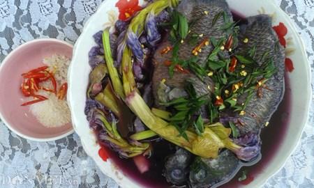 Canh chua lục bình nấu cá